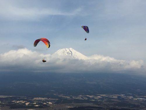 パラグライダーと富士
